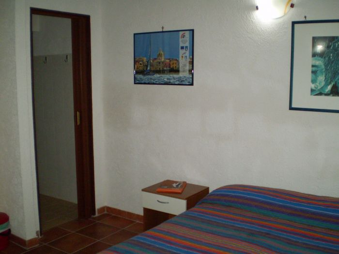 Vacanza Trapani, Trapani, Italy, compare with famous sites for hostel bookings in Trapani
