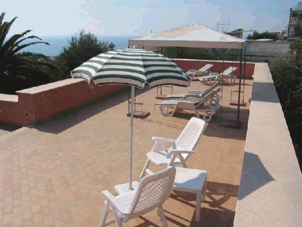 Villino Castellano Apartments, Sorrento, Italy, book hostels and backpackers now with IWBmob in Sorrento
