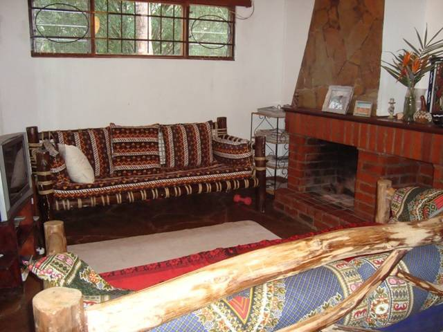 Bush Cottages, Nairobi West, Kenya, find many of the best bed & breakfasts in Nairobi West