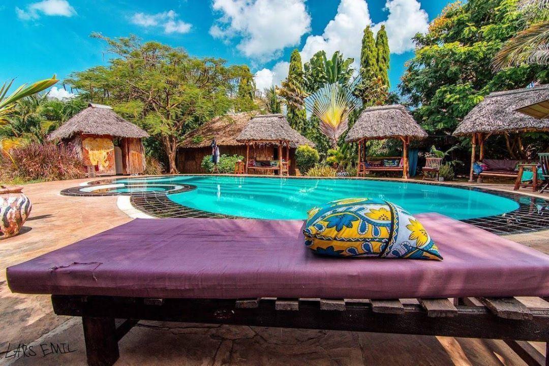 Diani Backpackers, Ukunda, Kenya, Kenya bed and breakfasts and hotels