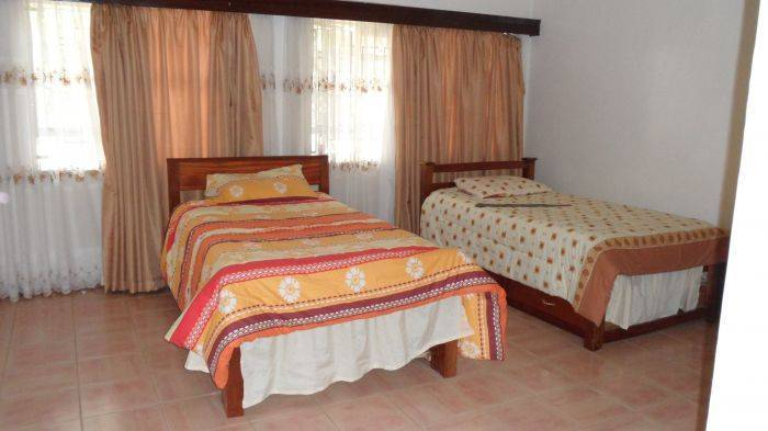 Ushirika Guesthouse, Kilimani Estate, Kenya, discount bed & breakfasts in Kilimani Estate