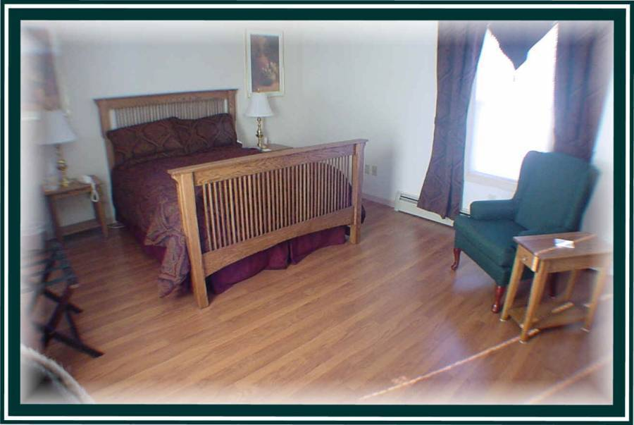 Boardwalk Bed And Breakfast, Rumford, Maine, Maine hostels and hotels