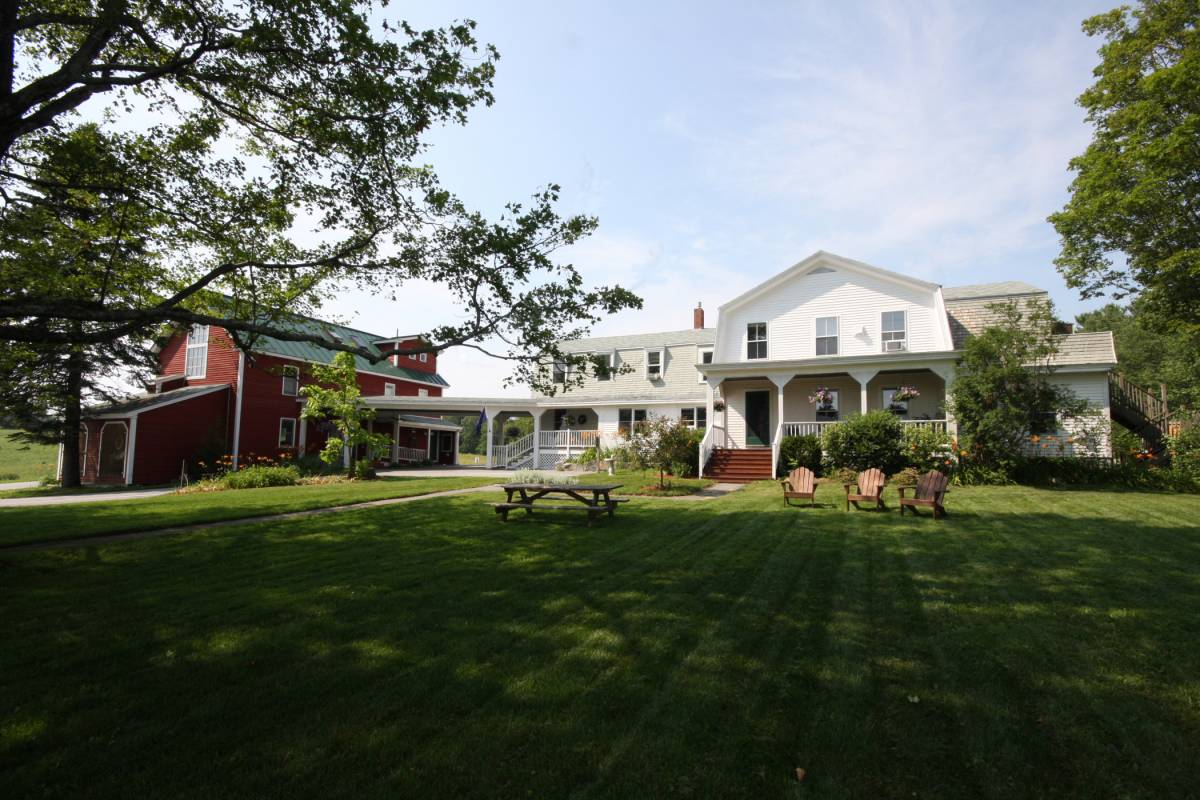 Maple Hill Farm Inn, Augusta, Maine, Maine hostels and hotels