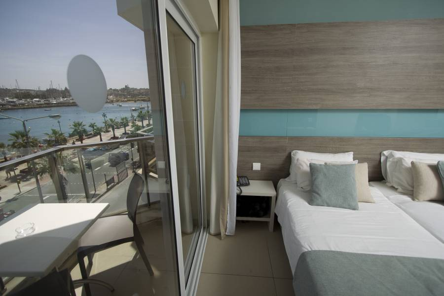 115 The Strand Aparthotel, Il- Gzira, Malta, best bed & breakfasts and hotels in town in Il- Gzira