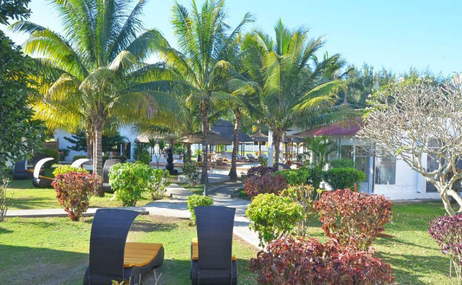 Beach Villa Mon-Choisy, Grand Baie, Mauritius, more bed & breakfasts in more locations in Grand Baie