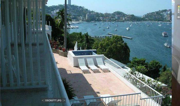 Pier D Luna - Get cheap hostel rates and check availability in Acapulco de Juarez 38 photos