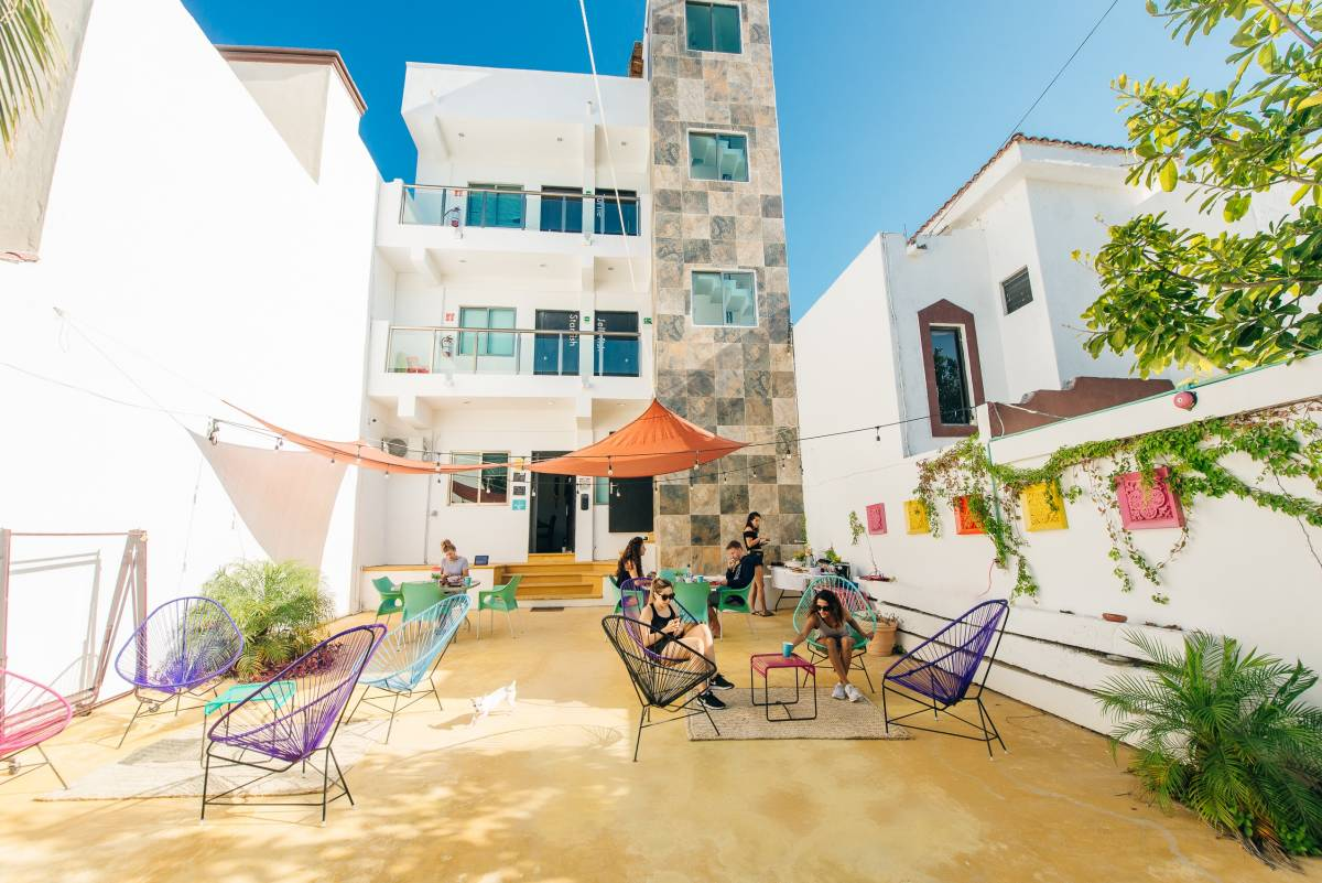 The Mermaid Hostel Beach, Cancun, Mexico, check bed & breakfast listings for information about bars, restaurants, cuisine, and entertainment in Cancun
