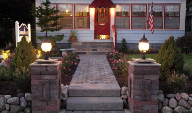 Candlelite Inn Bed and Breakfast - Search available rooms and beds for hostel and hotel reservations in Ludington 14 photos