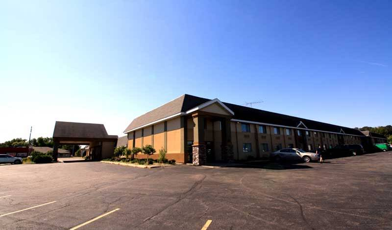 Norwood Innn and Suites - Search available rooms and beds for hostel and hotel reservations in North Mankato 6 photos