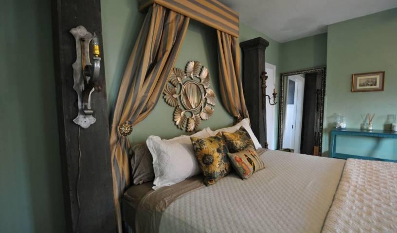 Bohemian Inn -  Saugerties South 2 photos