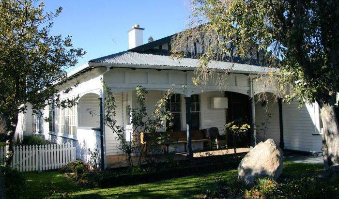 Victoria Villa -  Geraldine, what is an eco-friendly bed & breakfast 8 photos