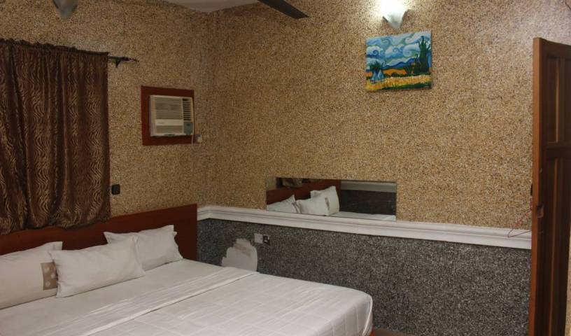 Double One Suites and Lodge - Get cheap hostel rates and check availability in Ikeja 10 photos
