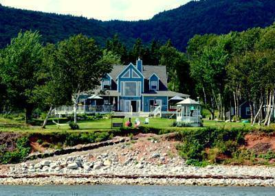 Sea Parrot Ocean View Manor, Baddeck, Nova Scotia, tips for traveling abroad and staying in foreign hostels in Baddeck