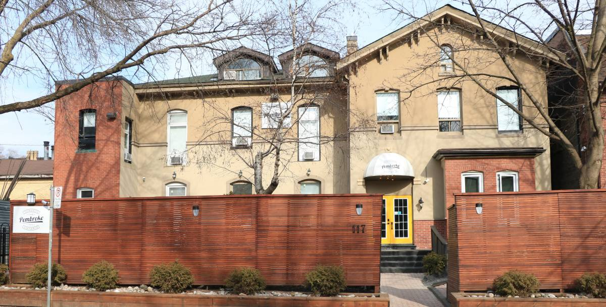 Pembroke Inn, Toronto, Ontario, everything you need for your holiday in Toronto