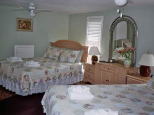 Williams Gate Bed and Breakfast, Niagara-on-the-Lake, Ontario, what is a green hostel in Niagara-on-the-Lake