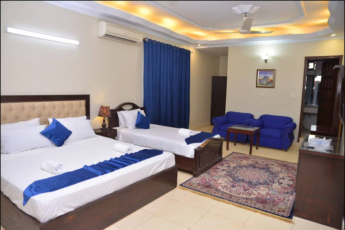 Ibis Lodge Guest House, Karachi, Pakistan, bed & breakfasts near subway stations in Karachi