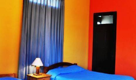 Hostal Posada Del Parque, safest places to visit and safe hostels 10 photos