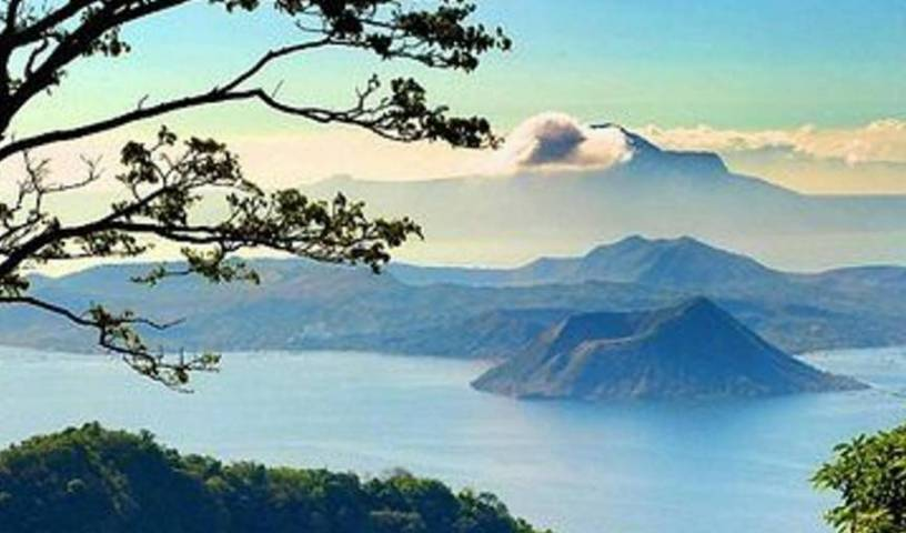 Blowing in The Wind Lake View Apartments - Search for free rooms and guaranteed low rates in Tagaytay 40 photos