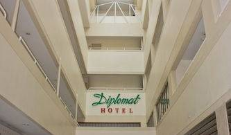 Diplomat Hotel - Search available rooms and beds for hostel and hotel reservations in Cebu City 4 photos