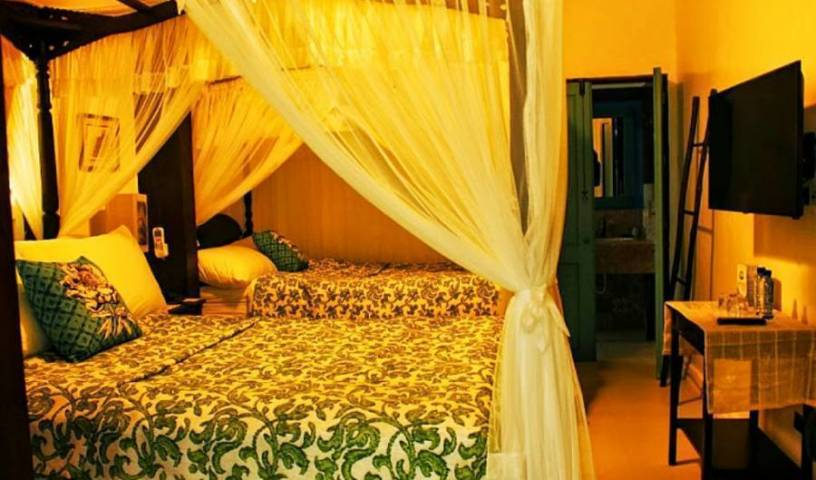 Paradores del Castillo - Search available rooms and beds for hostel and hotel reservations in Taal, backpacker hostel 7 photos