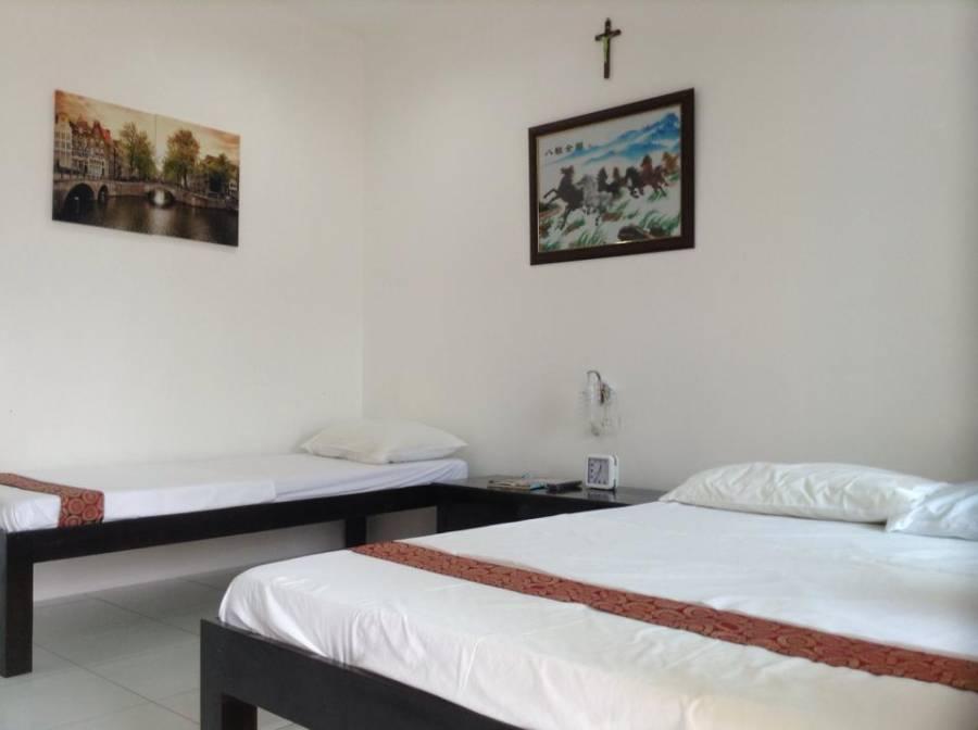 Moalboal Tropics, Moalboal, Philippines, Philippines hostela i hotela