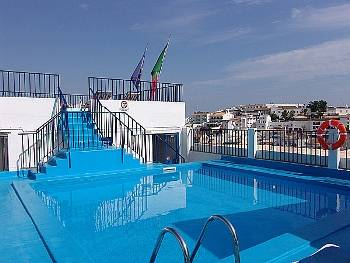 Apartamentos Regina, Albufeira, Portugal, affordable accommodation and lodging in Albufeira