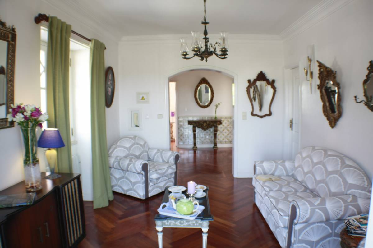 Casa Acucena Vintage B and B, Sintra, Portugal, pet-friendly hostels, backpackers and B&Bs in Sintra