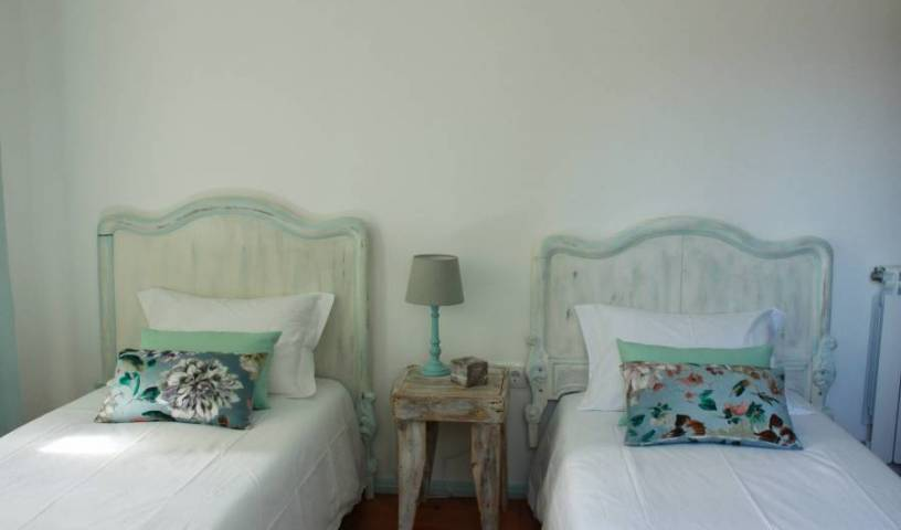 Lanui Guest House - Get cheap hostel rates and check availability in Sintra 15 photos