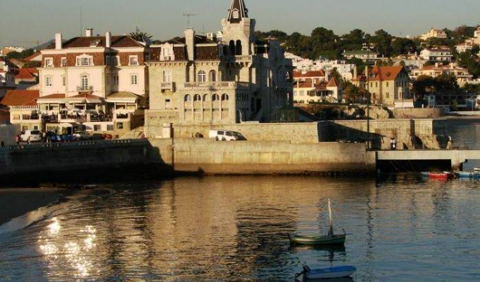 Poconovo - Search available rooms and beds for hostel and hotel reservations in Cascais 4 photos