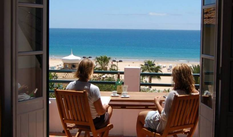Villa Joaninha - Search for free rooms and guaranteed low rates in Praia da Rocha, youth hostel 17 photos