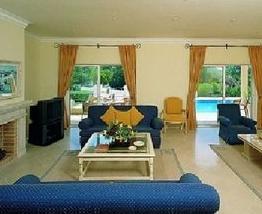 De Luxe Villa in Quinta do Lago, Quinta do Lago, Portugal, late bed & breakfast check in available in Quinta do Lago