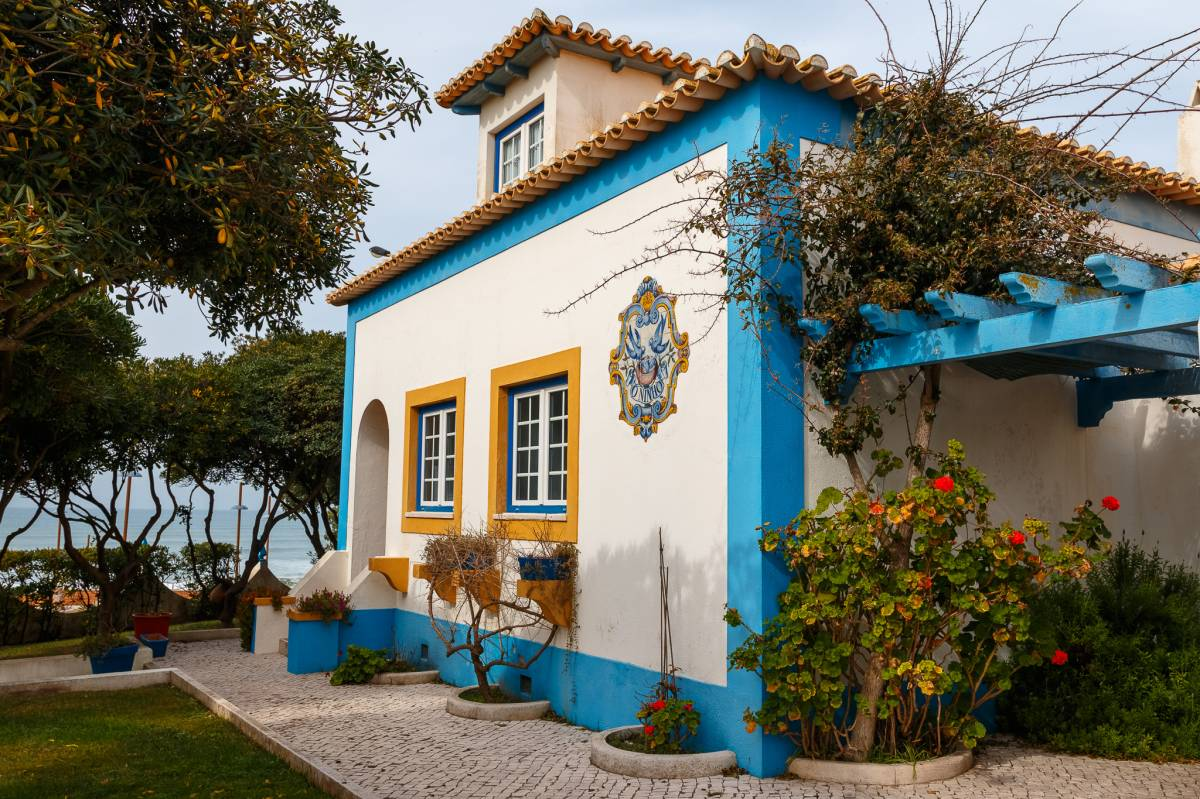 Global Surf School and Camp, Praia da Lourinha, Portugal, Portugal bed and breakfasts and hotels