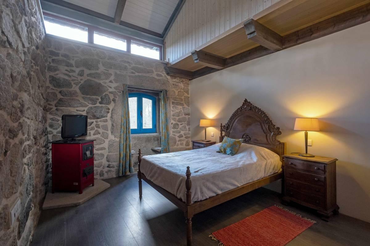 Hostel Quinta da Estrada Romana, Cerdal, Portugal, Portugal hostels and hotels