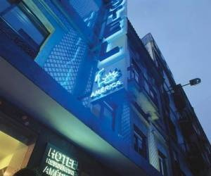 Hotel America, Porto, Portugal, hostels near transportation hubs, railway, and bus stations in Porto