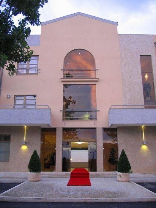 Hotel La Fontaine, Esmoriz, Portugal, compare deals on bed & breakfasts in Esmoriz
