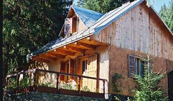 Bucovina Foisor Chalet - Search available rooms and beds for hostel and hotel reservations in Suceava 1 photo