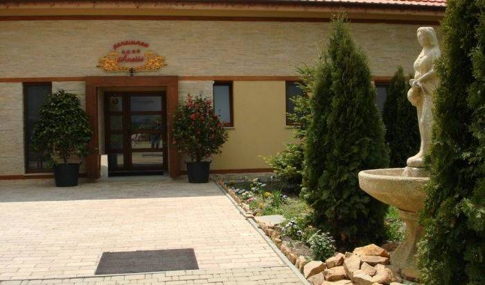Pensiunea Anette - Get cheap hostel rates and check availability in Timisoara - Temesvar 35 photos