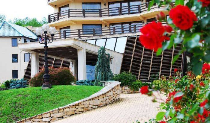 Sungarden Golf and Spa Resort -  Baciu 27 photos