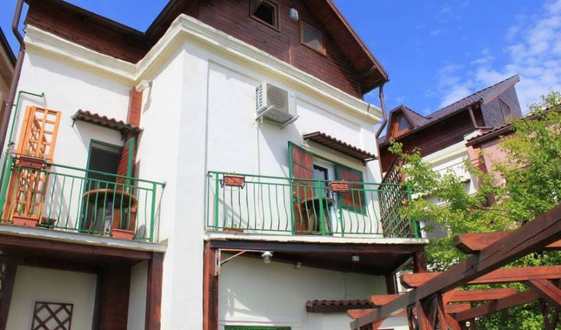 Vila Flavia BB, bed and breakfast bookings 36 photos