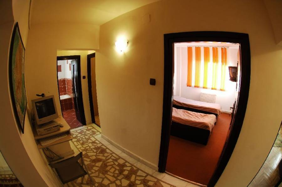 Florin B and B, Brasov, Romania, bed & breakfasts in UNESCO World Heritage Sites in Brasov