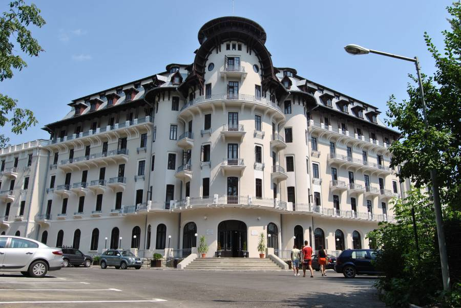Hotel Palace, Baile Govora, Romania, best trips and travel vacations in Baile Govora