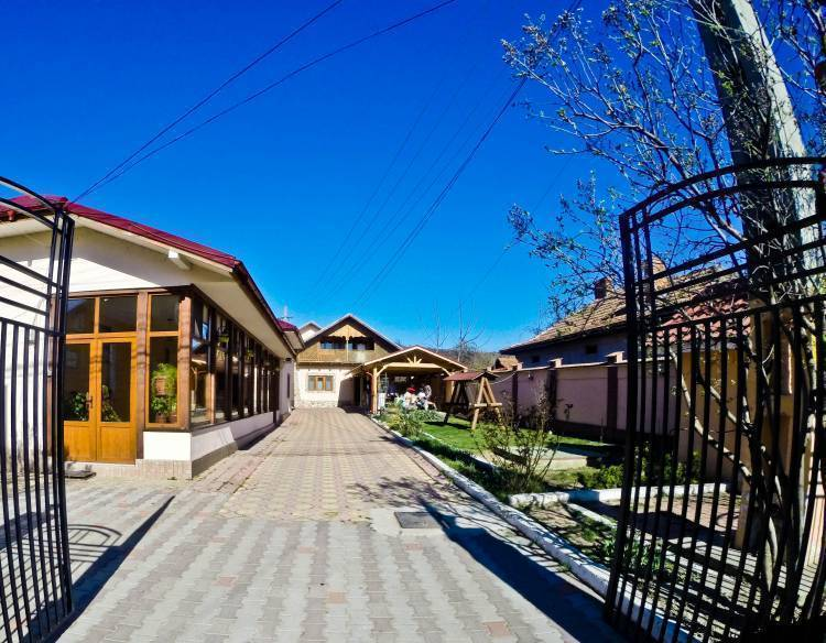 Vila Speranta, Plescoi, Romania, Romania hostels and hotels