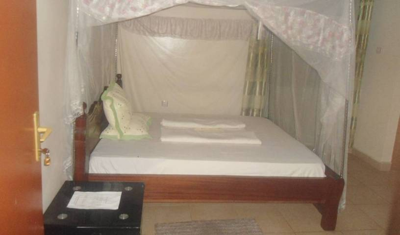 La Difference Guest House - Search for free rooms and guaranteed low rates in Kicukiro, youth hostel 4 photos
