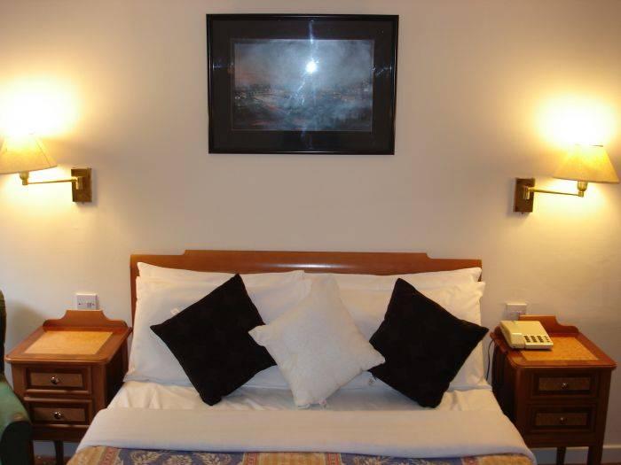 Kings Park Hotel, Glasgow, Scotland, Scotland hostels and hotels