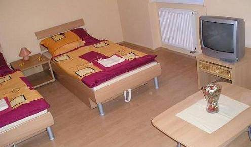 Apartment Blue Danube II - Get cheap hostel rates and check availability in Bratislava, backpacker hostel 4 photos