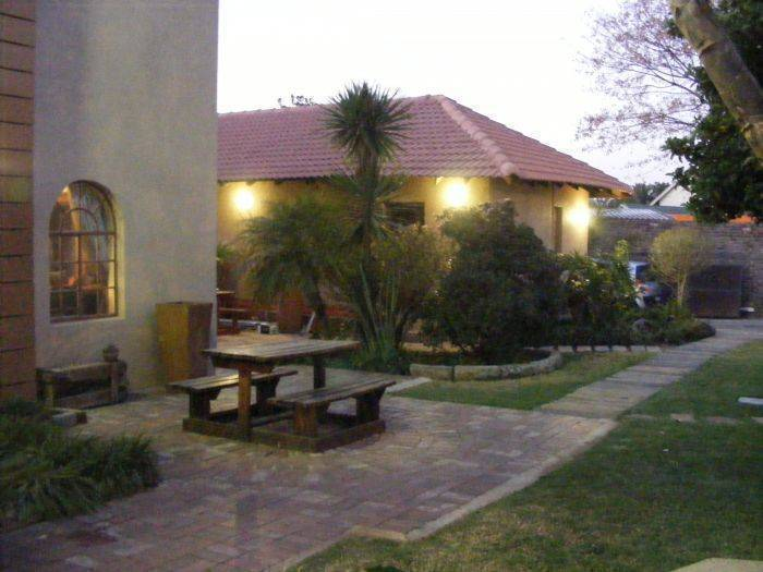 Africa Footprints Guesthouse, Johannesburg, South Africa, South Africa hostels and hotels
