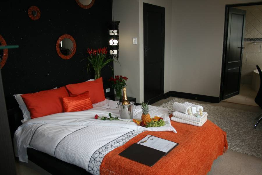 Africa Paradise - Airport Guest Lodge, Johannesburg, South Africa, affordable apartments and aparthostels in Johannesburg