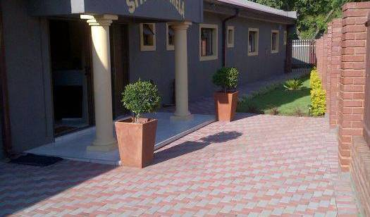 Demamisa Guest House - Search for free rooms and guaranteed low rates in Centurion 3 photos