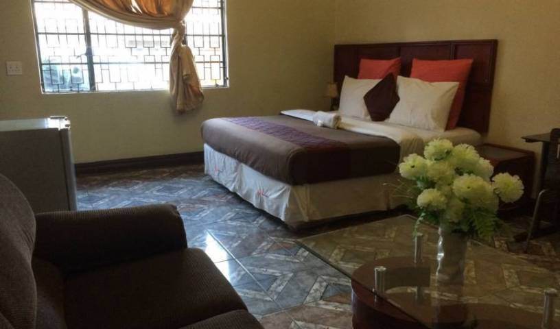 Grace and Gift Guesthouse - Get cheap hostel rates and check availability in Johannesburg, excellent hostels 9 photos