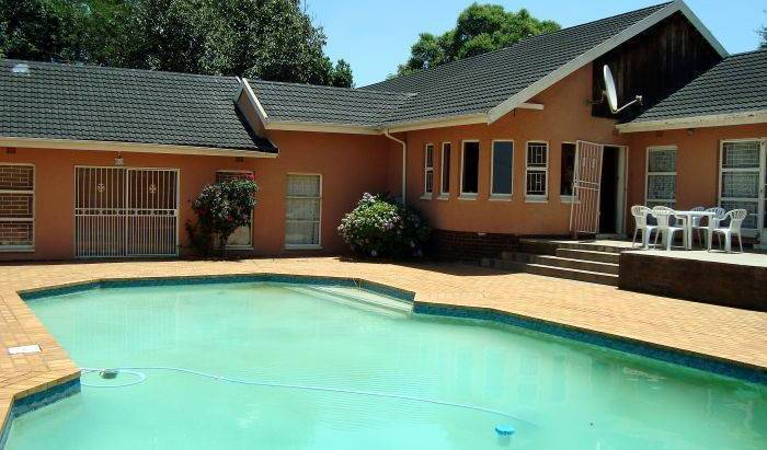 Lakeview Backpackers - Search for free rooms and guaranteed low rates in Kempton Park, this week's hostel deals 5 photos